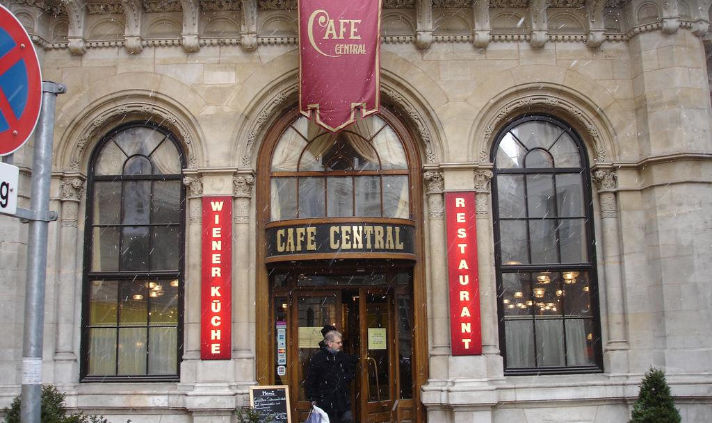 Cafe-Central